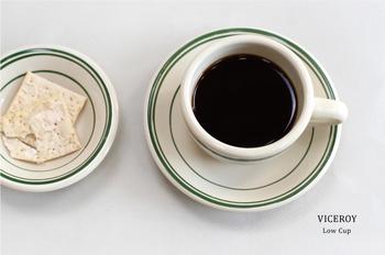 シンプルなグリーンのライン、ぽってり肉厚なデザイン。「VICEROY(ヴァイスロイ)」のレトロな雰囲気のコーヒーカップは見ているだけでも心が和みます。コーヒーだけじゃなくスープなどにもおすすめです。