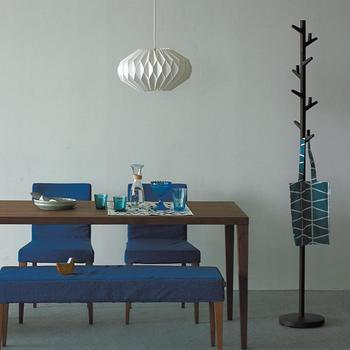 明かりを灯さない状態でも、オブジェのようにお部屋を飾ってくれます。素材はプラスチックシートですので、熱の発生しないLED電球での使用がおすすめです。