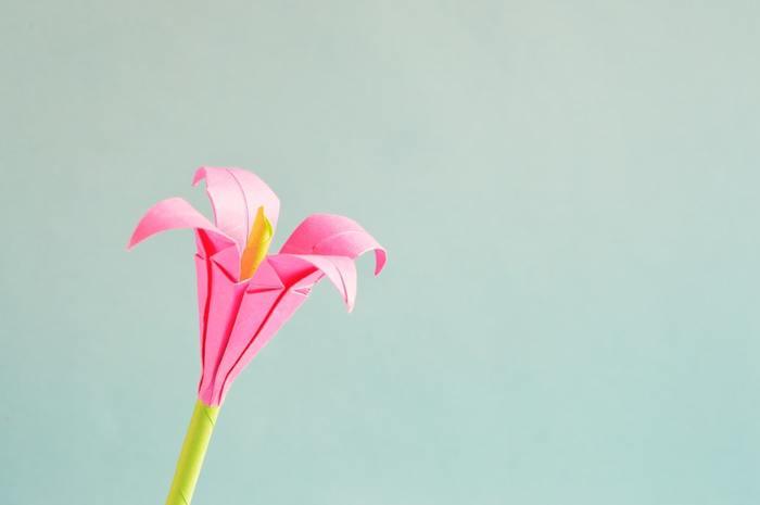 """季節を感じる""""花""""を折ろう。「折り紙」を使った花の折り方レシピ、まとめました。"""
