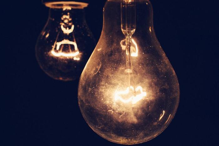 光はインテリアにとって、とても大事なコンテンツです。お部屋の印象を決めるのは「照明」の役割と言っても過言ではありません。