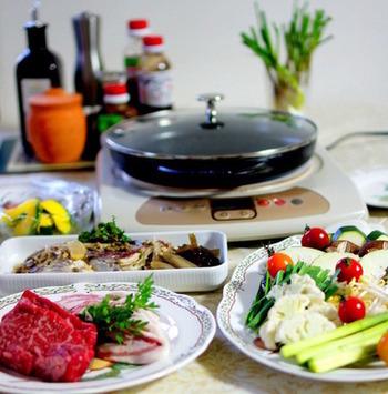 肉、魚、野菜をただ焼くだけでなく、少し工夫するだけでグリルパンの使用頻度はぐっと上がります。それでは早速グリルパンを使ったレシピをご紹介したいと思います。