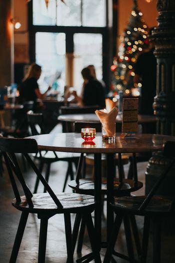 クリスマスの外出の定番といえば、クリスマスディナーに行くこと。だけどクリスマスのディナーなんて、レストランは混み合うだろうし、かなり前から予約も必要でしょうし、お金もかかりそう・・・なんて考えてしまいませんか?キナリノ的クリスマスはベタな定番ディナーではなく、いつもよりほんの少し贅沢ディナーをおすすめします。例えばいつも行くお店やカフェのクリスマスメニューやコース、クリスマスデザートに注目してみてください。ほんの少し、その匙加減が大人ならではなのです☆