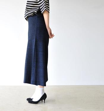 いかがでしたか?温かくてファッション性も高いニットパンツ。色はもちろん、編地やゲージの高さによっても印象が変わってくるので、いろんなタイプを試してみるのがオススメです。ぜひ今回の記事を参考にしていただき、ニットパンツで、自分らしい冬のおしゃれを楽しんでくださいね。