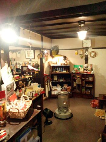 こちらも店内には雑貨が並び、手作り作品がたくさん置いてあります。ここでしか出会えない作品との一期一会を楽しみましょう。