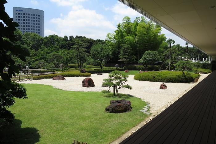 ニューオータニは快適なステイはもちろんですが広大な日本庭園も敷地内にあり、ここが都心だということを忘れてしまいそうな美しい景色が楽しめます。
