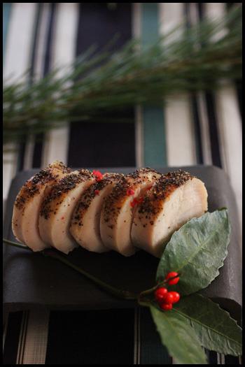 「鶏ハム・エビとそら豆の含め煮・生麩の煮もの・きぬかつぎ・クルミの甘露煮・帆立の甘辛煮」の6品をまとめた簡単レシピ。盛りつけも参考になりそうです。