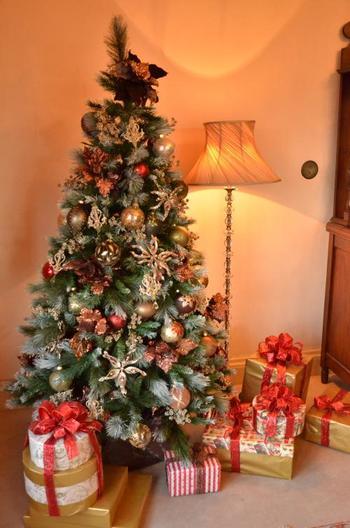*【ブラフ18番館】×ドイツのアドベント。  *【外交官の家】×ルーマニアのクリスマス。  *【山手68番館】×ガーナのクリスマス。  *【ベーリック・ホール】×オランダのクリスマス。  *【エリスマン邸】×デンマークのクリスマス。    *【山手234番館】×アメリカのクリスマス。     *【山手111番館】×フランスのクリスマス。    *【横浜市イギリス館】=イギリスのクリスマス。※毎年恒例。