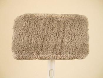 次に水拭き用のモップで2回ほどお掃除。掃除のために移動させた家具などは、フローリングが完全に乾いてから元の位置に戻すようにしましょう。