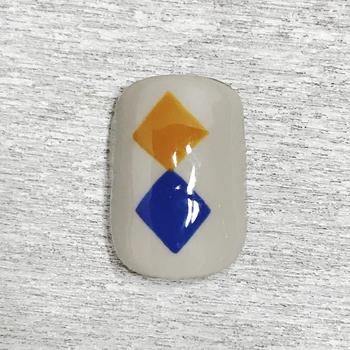② 十字の角を繋げてダイヤを描きます。