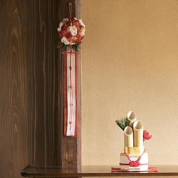 玄関先に飾る門松。小さなサイズのものなら、玄関に飾ることが出来て素敵ですね。気持ちがピリリと引き締まります。