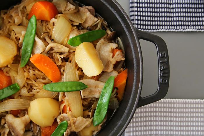 無水調理で野菜本来の美味しさが味わえるのも大きな魅力です。家庭料理の定番肉じゃがも、味が染み渡りほっくりホクホクに仕上がります。