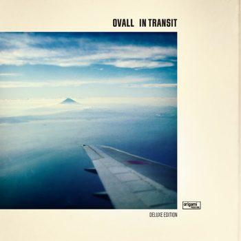 また同年12月には、ニューアルバム『In TRANSIT [Deluxe Edition]』もリリース。4年のソロ活動を経たメンバーそれぞれの感性が光るニュー・クラシックチューン「Winter Lights」は、中でも必聴です。