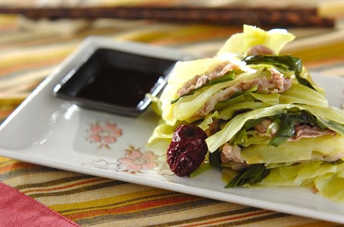 胃を元気にしてくれるキャベツをはじめ、ショウガで冷え対策、冬瓜でむくみを和らげるなど、さまざまなお悩みに対するレシピが掲載されています。使われている食材は、身近な食材ばかりなので作りやすくおすすめです。