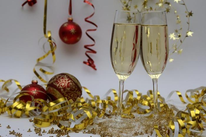 12月がしゅわっと華やかに。 スパークリングドリンクでつくる素敵な食卓