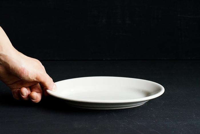 イタリアの業務用食器Saturniaの「Tivoli(チボリ)」シリーズは、トラットリアで使用されるシンプルで使いやすく、しかも見た目も◎のオーバルプレート。