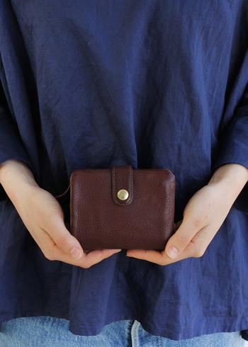 今年1年、もしかするとそれ以上に長く日々の暮らしに寄り添ってくれた愛用のお財布、新年に備えて新調してみてはいかがでしょうか。