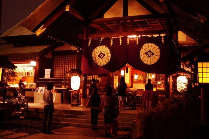 東京大神宮は、神楽坂からもほど近い飯田橋駅から徒歩約5分のところにあります。縁結びだけでなく復縁祈願にも効果があるそうですので、恋を成就させたい、あの人とまたやり直したいと思っている方は是非訪れてみて。