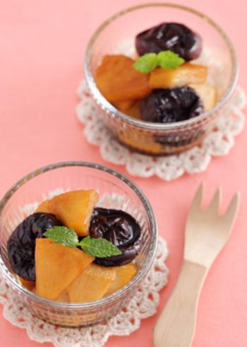 カリウムが豊富に含まれているプルーンとりんごを紅茶で煮たヘルシーなおやつです。小腹がすいた時にちょっとつまむのにもぴったり。