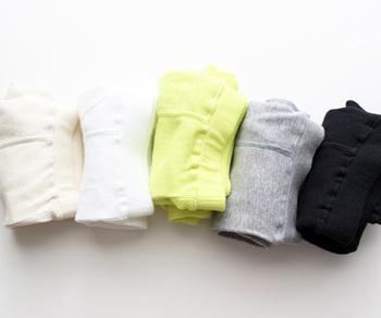 ワッフル生地のふんわりオシャレなモモヒキ。今では数少ない、日本国内の下着専門工場でつくられるモモヒキは、柔らかく肌触りの優しいコットン100%◎。寒がりの彼や家族への贈り物にぜひ。