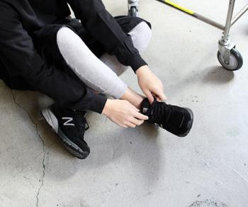 レディースとメンズ、両方展開しているので、プレゼントがてら自分用にも♪足首丈のロングタイプなので、ワンピースやスカートの重ねてレギンスのように使えます。