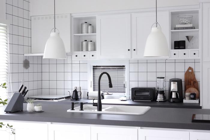 スッキリとしたキッチンは毎日の積み重ねで生まれます。すべてのモノに定位置を作ってあげるだけでも、今とは見違えるキッチンになるはずです。片付いたキッチンで、お料理の腕を磨いてみてくださいね♪