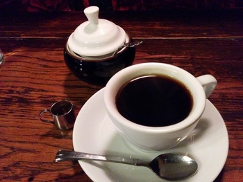 こちらは珍しいブランデーコーヒー。他にもマリアージュ紅茶やソーダー水など、飲み物が充実しています。