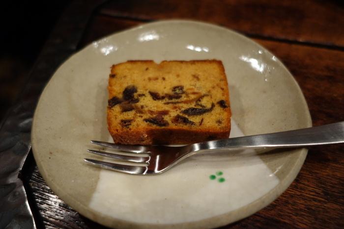 ちょうどよい大きさのケーキがコーヒータイムを豊かなものにしてくれます。ほかにシフォンケーキなどもおすすめです。