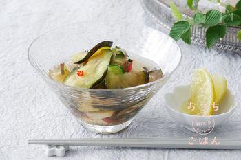 汁までおいしく飲めて、料理に加えたりすることで最後まで美味しく栄養もしっかり摂ることのできる水キムチ。  さっぱり食べられて美味しい、身体も喜ぶ水キムチレシピをご紹介します。