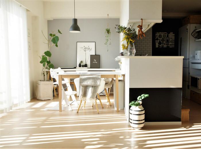 一流デザイナーが手がけた家具のほとんどは、流行に左右されないデザインが基本。シンプルなのに素敵な個性を放ち、部屋をスタイリッシュかつ居心地のよい空間に演出してくれる――。そのような、見ても触れても心地よい、長く愛用したくなる傑作が少なくありません。