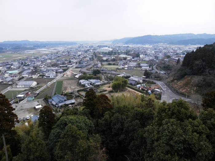 「有機農業の町」「ユネスコエコパーク」として知られる綾町は、宮崎県の中西部に位置する町です。
