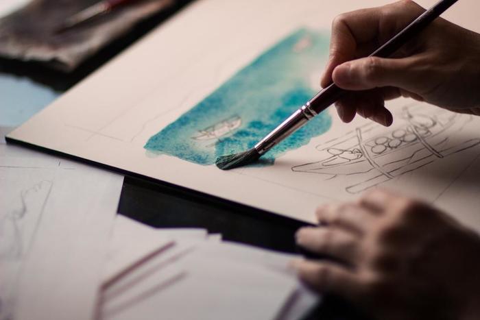 「余白」を楽しむという感覚は日本人独特のものとされています。びっしりと描かれる西洋絵画と、余白にこそ重きをおく水墨画や日本画を比べてみると「余白」に対する感覚の違いがよくわかります。
