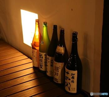 お米ならではの甘い香りと独特な風味が際立つ日本酒は、スイーツに使ってもどこか和を感じさせる仕上がりになります。ただ、最近ではチョコレートなどの洋の素材との相性の良さも知られるようになり、その可能性の幅広さに注目したい素材です。