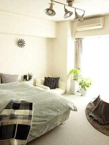 柔らかなマイクロファイバーの寝具カバーは、暖かさと肌触りが格別。寝室が寒くても、空気をたっぷり含んで一晩中暖かく保温してくれるマイクロファイバーなら冬でもゆったりと眠りにつけそうです。