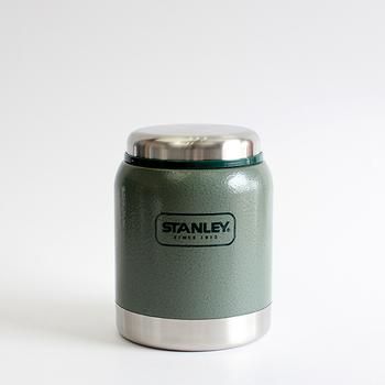 1908年にアメリカで創業したアラジン社のスタンレー。いろんなサイズやデザインの魔法瓶があります。これは少し丸っこいフォルムでかわいいデザイン。洗いやすさも選ぶ基準として重要です。