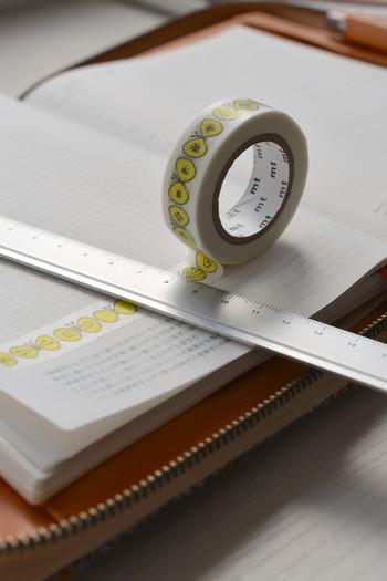 余っているお気に入りのマスキングテープがあるなら手帳の空欄ページに貼ってみて。それだけで可愛いオリジナルのページの出来上がり♪