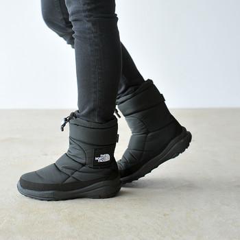 ここ数年人気の「ザ ノースフェイス」のヌプシシリーズは、さすがアウトドアブランドのブーツというだけあって、とっても暖かく、防水対策OK、ソールも滑りにくいと機能性抜群なブーツ。