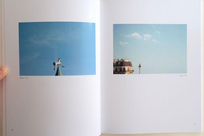 どのページを見ても静寂に満ちていて絵画的で、すっきりと美しく、それでいてちょっとした愛らしさも感じられる写真です。撮影の地となった北イタリアの風景に対する、ルイジ・ギッリの愛情が透けて見えるよう。こんな写真集を眺めながら、ゆったりしたティータイムを過ごすのも素敵ですね。