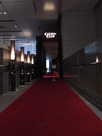 東京駅から歩いてすぐの商業ビル「TOKIA」の2Fにある『COTTON CLUB』で音楽を楽しんでみませんか?本格的なライブは敷居が高そう…と思われるかも知れませんが、初心者の方も楽しめるライブが多いんですよ。