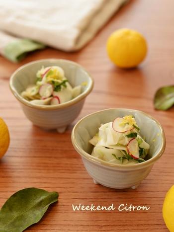 塩もみしたカブとホタテを使用していますが、味付けはマヨネーズやオリーブオイルを入れているので洋風な味わいです。柚子の香りがさわやかな一品を楽しみましょう♪
