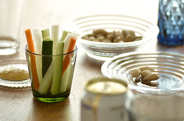 飲み物を注ぐだけでなく、デザートや野菜スティックなどにも大活躍してくれる、使い勝手の良いグラスなんです。