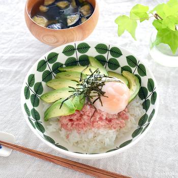 和風の丼などに合わせても馴染むので、冷蔵庫にあるもので作ったランチも立派なおもてなし料理に格上げしてくれます。