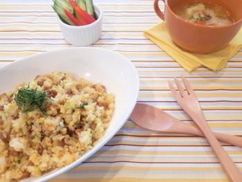 生姜などの薬味は、チャーハンの具材として大活躍してくれます!気がつくと賞味期限が間近に迫っている納豆と合わせれば、味にアクセントのあるチャーハンに。