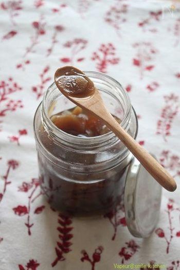ぴりっとした刺激が癖になるジンジャーシロップ。しょうがは体を温める効果があるので、風邪予防にもおすすめ。冬にぴったりのドリンクができます。