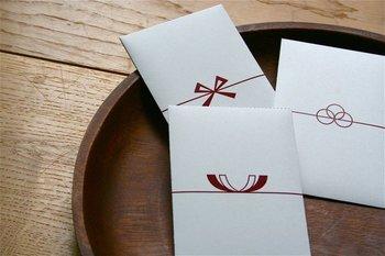 お正月にお年玉を入れて渡す「ポチ袋」。この「ポチ袋」の「ポチ」とは、一体どういう意味があるのかご存知でしたか?