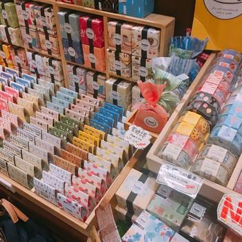 こちらは文具好きにはたまらない、台湾のレトロな魅力が詰まったマスキングテープたち!たくさんの可愛いデザインがあって見ているだけでも飽きません!
