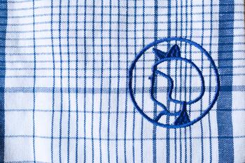 イヤマちゃんのマークはさり気なく。青いリボンがポイントです。