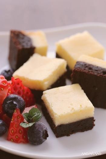 チーズケーキとブラウニーが2層になっており、海外ではポピュラーなスイーツなのだとか。スクエア型で焼いてカットすれば、世話チョコとしてもぴったりですね。焼きすぎず、きれいな色に焼き上げるのがコツ。次の日の方がしっとりしてるので、プレゼント用としておすすめ。