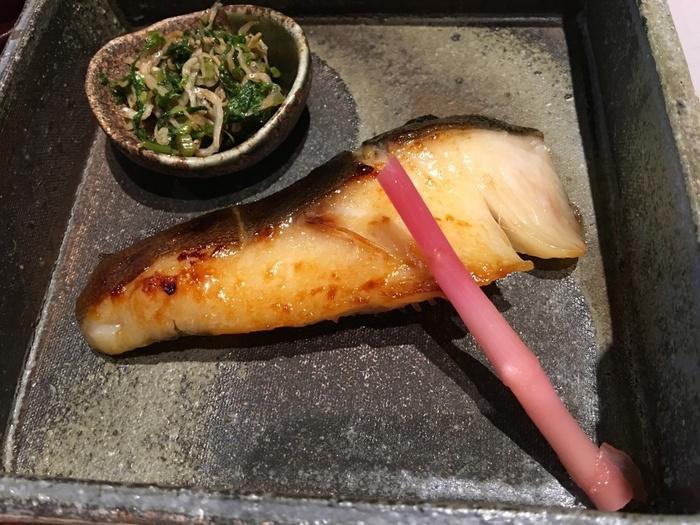 「京都一の傳本店(きょうといちのでんほんてん)」の銀だらの「蔵みそ焼」は、まろやかな味わいでとろけるような口当たり。味のしみ込み具合、焼き具合ともに最高な、西京焼きです。