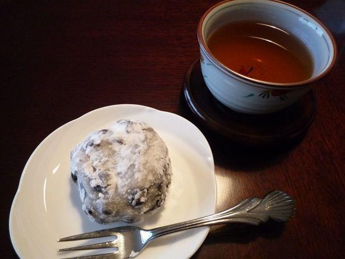 お茶に合わせるお菓子は色々ありますが、この冬は優しい甘さの和菓子を合わせてみませんか。今回は、都内で連日行列ができる人気の和菓子店や、見た目が華やかで美味しい生菓子が食べられるお店をご紹介します。
