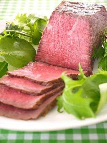 安い牛肉でも、一定の温度で保温することでじっくり熱が通り、柔らかジューシーに仕上がります!